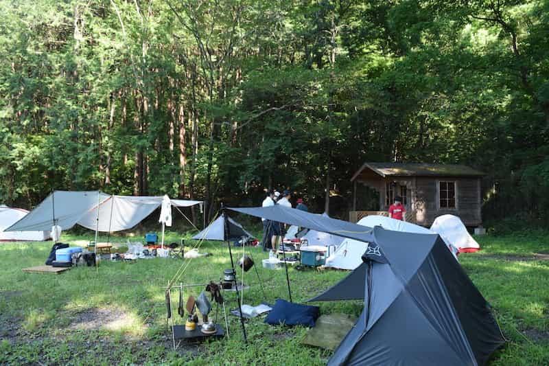 キャンプ 嵐山 場 荘 月 川 渓谷